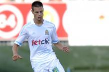 Chelsea sign Spanish defender Azpilicueta