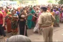 Guj: Rush for cheap house, crowd lathicharged