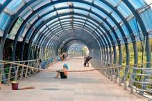 Mumbai: Commuters 'skywalk' to Andheri station on I-Day