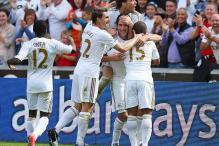 Swansea overwhelm sloppy West Ham 3-0