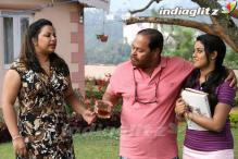 Malayalam Friday: 'Chattakkari' vs 'Bhoopadathil Illatha Oridam'