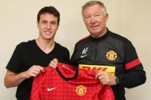 Man United sign Chilean striker Henriquez