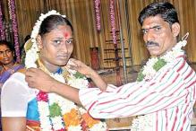 Chennai: Groom scoots, gallant man weds bride