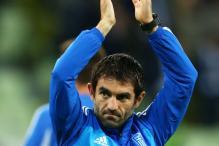 Greek veteran Karagounis joins Fulham