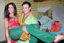 Guess what Mallika Sherawat and Vivek Oberoi were up to while promoting 'Kismet Love Paisa Dilli'?