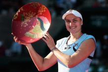 Petrova stuns Radwanska to win Tokyo title