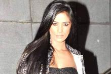 Director Trishul wants Pakistani actress for song