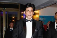 Shah Rukh shouts 'khamosh!' at chaotic press meet