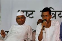 Anna tells Kejriwal not to use his name, photo