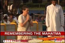 Watch: PM, Sonia Gandhi pay tribute to Mahatma Gandhi