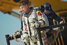 Felix Baumgartner lands after record-breaking jump of 39 km