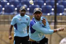 Dilshan returns as SL eye whitewash