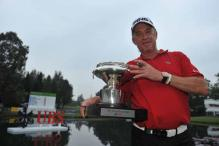 Jimenez proves age no factor in Hong Kong win