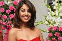Richa Gangopadhyay denies dating Sunder Ram
