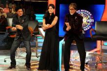 Shah Rukh pulls Amitabh Bachchan's leg on KBC