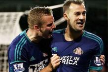 Sunderland beat 10-man Fulham 3-1