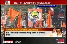 Huge crowd descends for Bal Thackeray's funeral procession