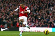 Theo Walcott returns for Arsenal after shoulder injury