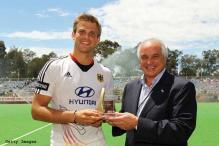 Sardar misses out on FIH award, Fuerste wins it