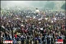 Gangrape: Protesters brave lathicharge to demand justice