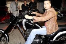 Bollywood celebrities take on the mean machines at India Bike Week 2012