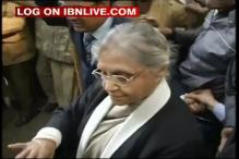 Protesters heckle Sheila Dikshit at Jantar Mantar