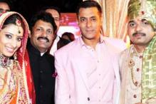 Salman Khan, Riteish Deshmukh dazzle at Swapnali-Vishwajeet's wedding