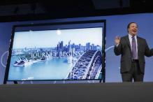 Samsung, LG unveil super-thin, curved televisions