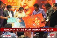 Sachin cheers for Asha Bhosle at the music launch of her upcoming film