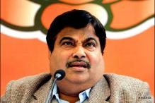 Gadkari threatens I-T officials probing Purti links