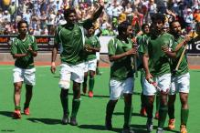 Mumbai: Sena workers protest against Pak hockey players
