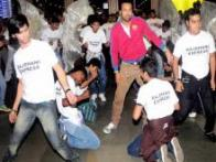 Rajdhani Express: Leander Paes dances with a flash mob