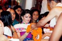 Snapshot: Sunny Leone visits Siddhivinayak Temple