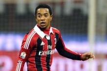 Fulham sign Milan's Urby Emanuelson on loan