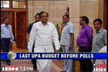 Will Budget 2013 be UPA's ticket to next Lok Sabha term?