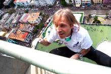 Wow! French 'Spiderman' climbs 27-storey Cuban hotel in 30 mins without safety gear