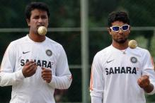 Jadeja or Ojha: who should play the Hyderabad Test?