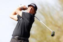 Mickelson surges six ahead in Phoenix