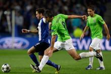 Moutinho makes it 1-0 for Porto against Malaga