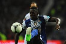 Porto to face unbeaten Malaga in the first leg of last 16
