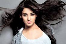 Sonal Chauhan turns singer for '3G'