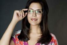 Sorry, you've got the wrong person: Zeenat Aman