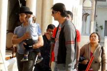 Snapshot: Aamir and his son Azad on sets of 'Peekay'