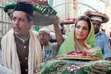 Snapshot: Bipasha Basu spotted at Ajmer Sharif