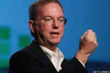 Google's Eric Schmidt uses a BlackBerry!