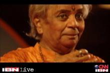Pandit Birju Maharaj to choreograph Madhuri Dixit in 'Dedh Ishqiya'