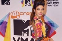 Snapshot: Priyanka Chopra wears a funky gown at MTV Music Awards
