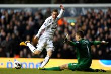 Spurs' Sigurdsson relishes chance to face Liverpool
