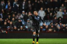 Carlos Tevez scores as Manchester City beat Aston Villa 1-0