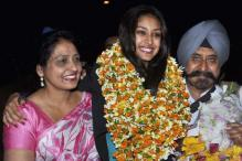 Snapshot: Miss India 2013 Navneet Kaur Dhillon without makeup